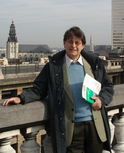 Foto a mezzo busto di Pino Boero
